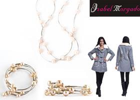 Abrigo, collar y pulsera de perlas Isabel Morgado